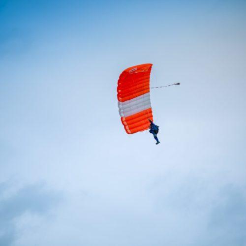 skydivinglead